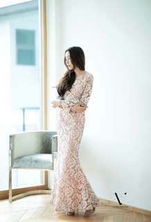 Lace gown dress ; vshop