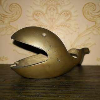 Brass astray