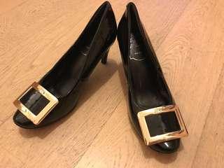 New roger vivier Style black heels shoe