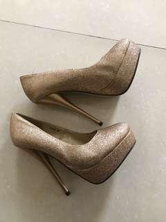So Fab! Glittery Gold Stilettos
