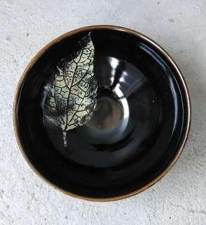 🚚 樹葉紋天目黑釉茶碗 林清泉款