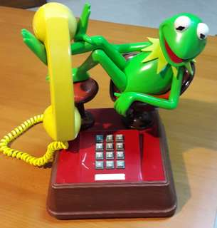 BNIB 40 yr old 70/80s Vintage Kermit-the-Frog Character Phone.