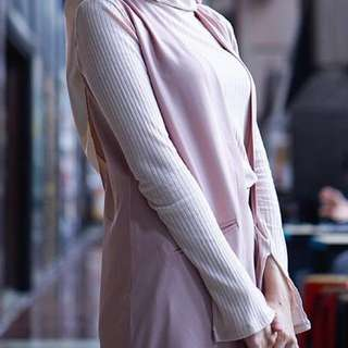 Uniqlo ribbed knit top slit sleeves