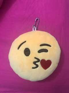 Kiss emoji keychain