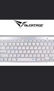 BNIB Alcatroz XPLORER GO! Bluetooth Keyboard 100 (Silver)