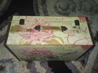Old style wooden box travel bag