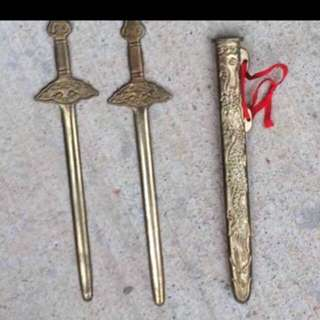 Small double blade sword