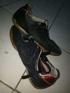 Sepatu Futsal #AFBakrie