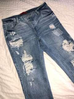 Distressed ankle grazer boyfriend jeans