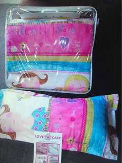 As new Girls SINGLE BED Comforter & Long Roll-Cushion