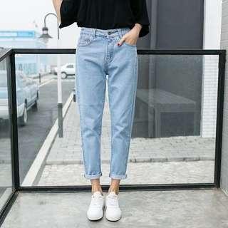 Denim Blue Coloured Pockets Designed Boyfriend Style Jeans