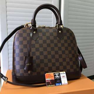 LV Alma MM with strap