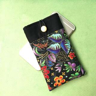 Hand phone pouch🌺
