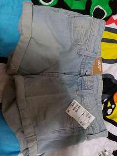 短褲4條(e.g H&M) #mayflashsale