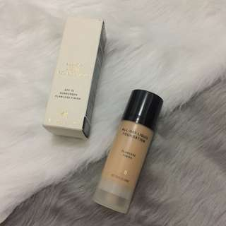 BNWT H&M All-Day Liquid Foundation