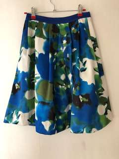 Abstract skirt with swan zip