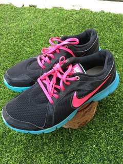 Nike Sport shoes - Authentic