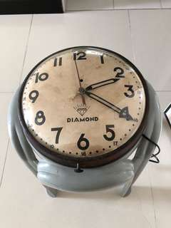 "Original 10"" Diamond Brand Electric Wall Clock with Paper Dial 😱😱 very very rare"