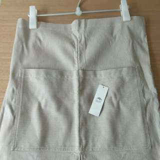 全新franc franc淺啡、米白幼間條半身圍裙 Brand new franc franc light brown and beige strip half-length apron
