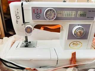 多功能家用衣車 縫紉機 sewing machine 金屬機身 不議價