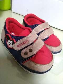 Sepatu Mickey Disney Size 21