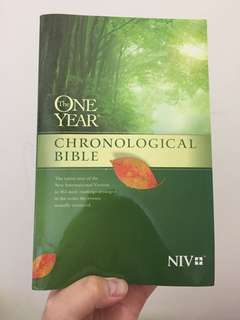 One year chronological bible NIV