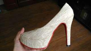 🚚 白色蕾絲婚鞋12cm高