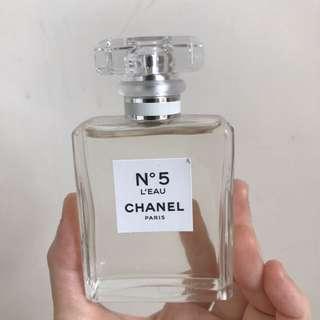 Chanel N°5 L'EAU  香水