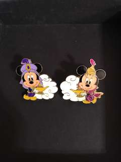一對 東京迪士尼 pin 襟章 Disney Mickey Minnie