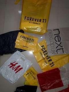 Plastik forever 21 , next, h&m