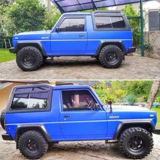 Mobil Daihatsu Rocky 4x4 1995