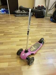 [Used] Avigo 3 wheel scooter