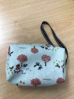 Small hand pouch (made in Taiwan)