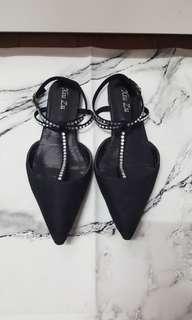 🚚 黑色麂皮尖頭平底涼鞋