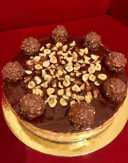 The ultimate Mouth Watering Ferrero Nutella Cheesecake🎂😋👌 Cake Size 9x3inch/ 1,400 Small Size 6x3 inch 900 only✔️