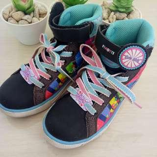Sneaker anak cewek