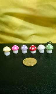 Cute Mushrooms ( M )