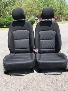 Hyundai Elantra seats