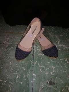Preloved flatshoes