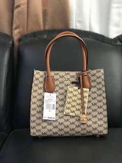 Michael Kors Mercer Signature bag