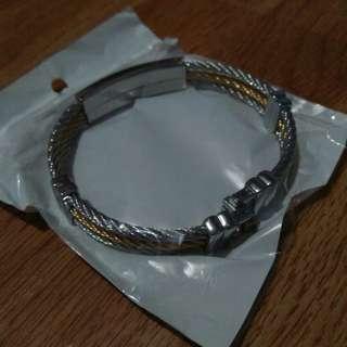 Bracelate