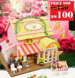 DIY Wonderful Royal Florist RM100 Size : 20 x 18 x 15.5cm