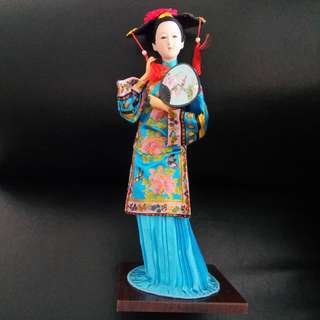 Manchu Princess (格格) Doll. New, never used