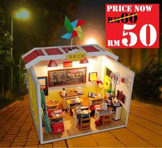 DIY My Classroom Room RM50 Size : 15 x 20 x 24cm