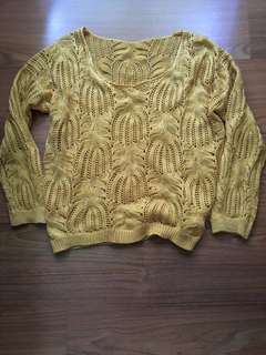 Mustard yellow knitted top