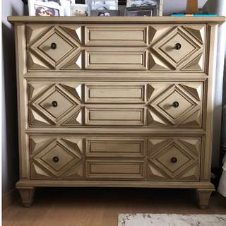 SUPER CHIC CHEST OF DRAWERS