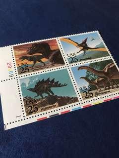 只限兩套 美國恐龍方連帶數字邊 翼龍 4全