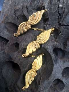 Nyonya Kerosang kebaya gilt gold 1950s