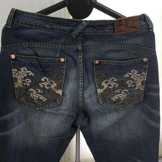 🚚 BIG TRAIN 墨達人(男)刺繡刷色牛仔褲