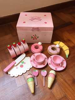 Mother Garden Strawberry Picnic Tea Set